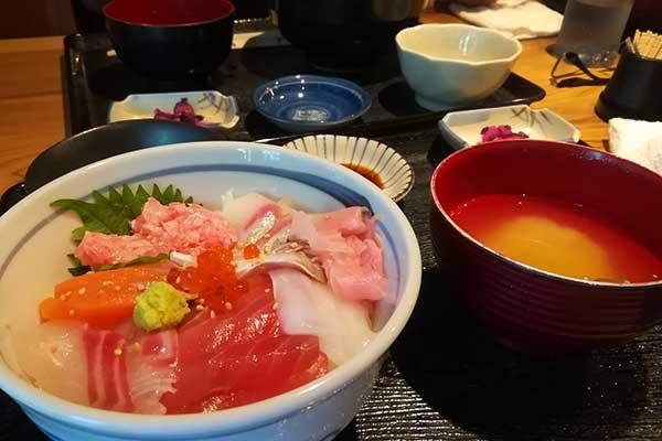 すぎ屋:修善寺の海鮮丼屋
